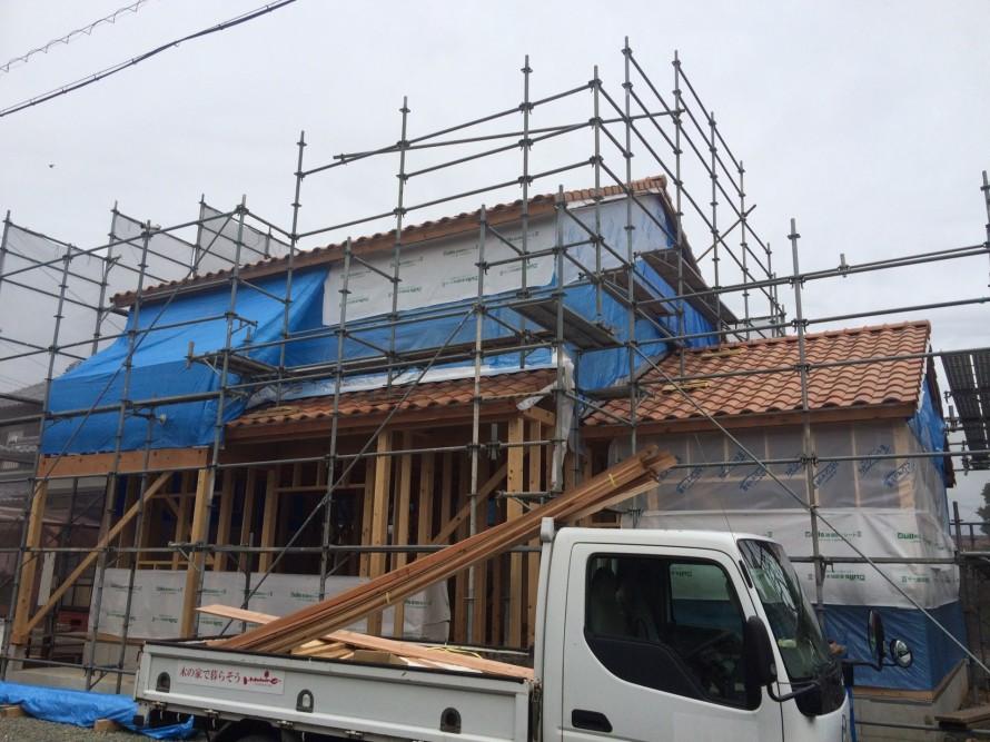 ハミング三本木白い家瓦完了