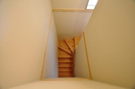 ヒノキの階段 豊橋市大岩町