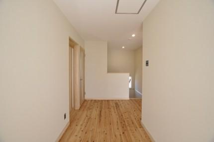 2階ホール 杉板の床 豊橋市大岩町