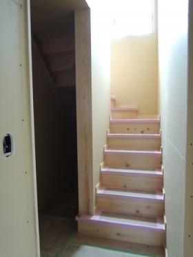 ヒノキの階段